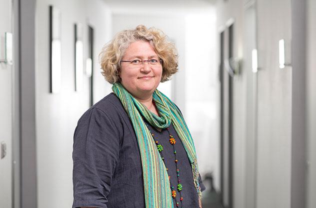 Karen Schmelzle